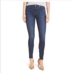 Paige Skyline Skinny Peg Jeans.  Size 27